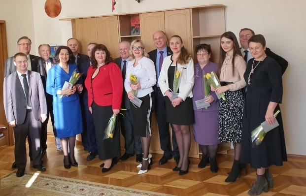 Поздравили дорогих женщин с Женским Днем!